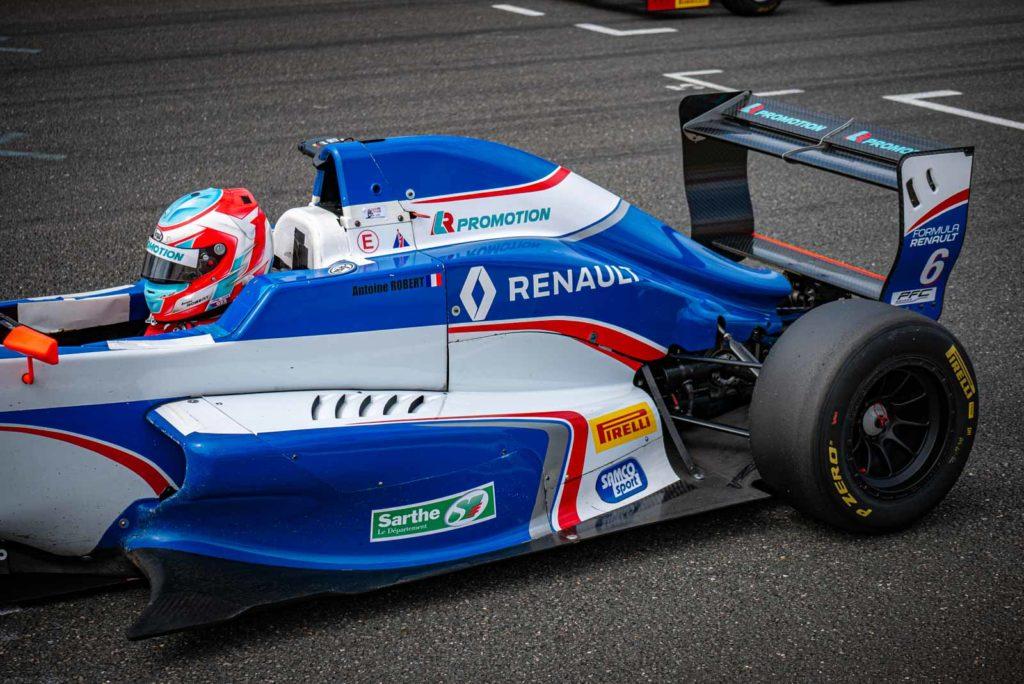 Antoine Robert sur la grille de départ des Formula'Cup