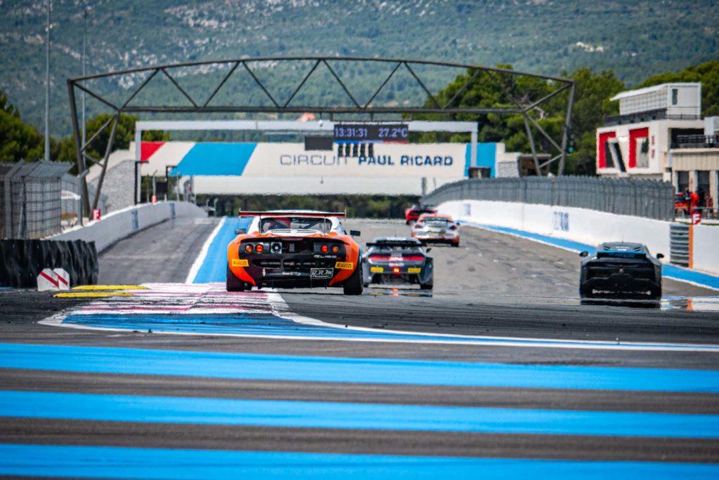 La ligne droite des stands au Circuit Paul Ricard pour le TTE